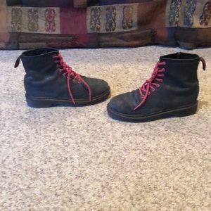 Dr Martens grey waffle print lace up Air wave boot